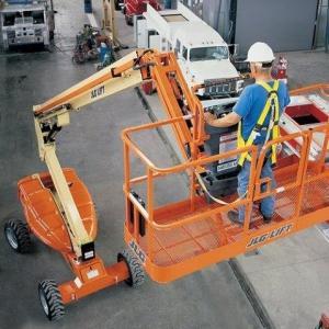 Segurança na operação de plataforma elevatória